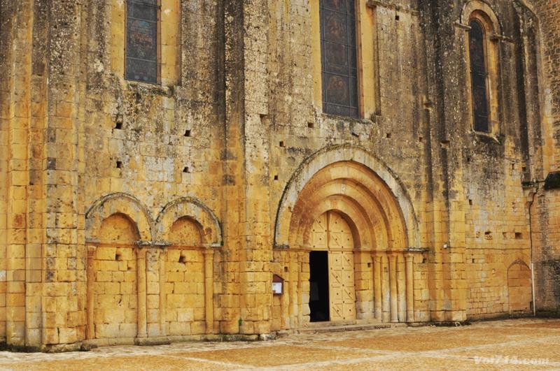 Périgord-abbaye-cadouin