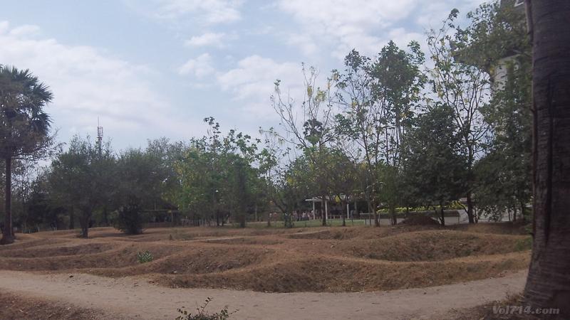 camps-de-la-mort-khmer-choeng-ek-phnom-penh