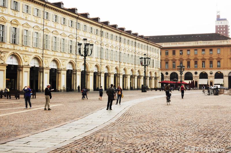 Turin-place-san-carlo2