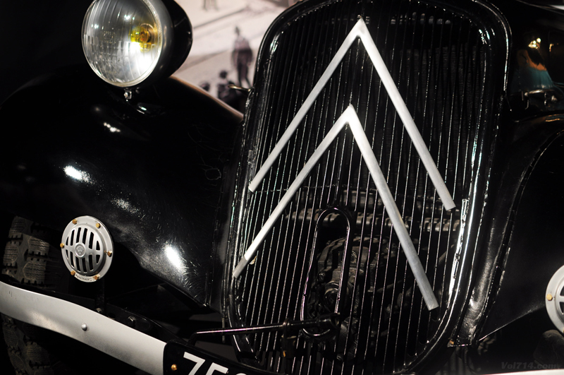 Turin_musee_automobile_citroen_traction