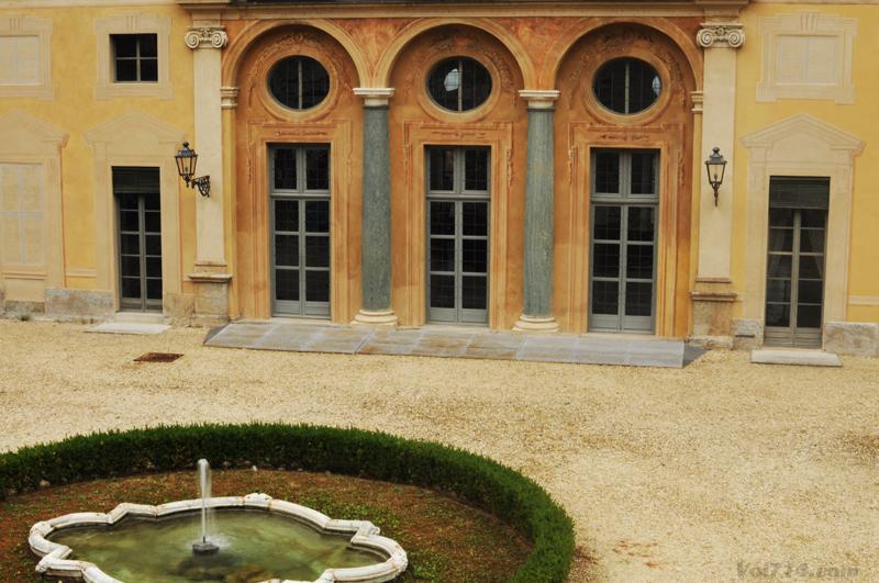 Turin_villa_della_regina_cour
