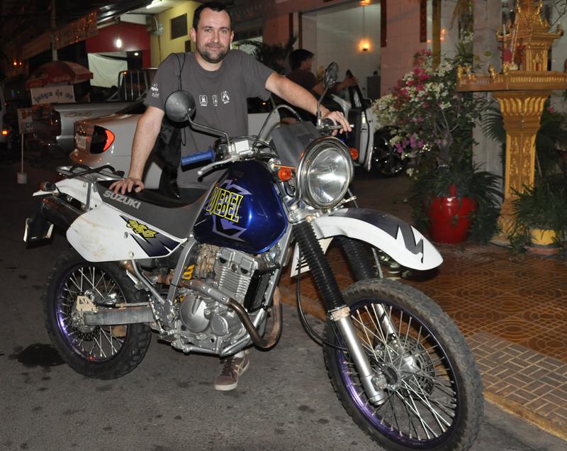 voyage moto au cambodge tape no 1 choisir la moto vol 714 blog voyage. Black Bedroom Furniture Sets. Home Design Ideas