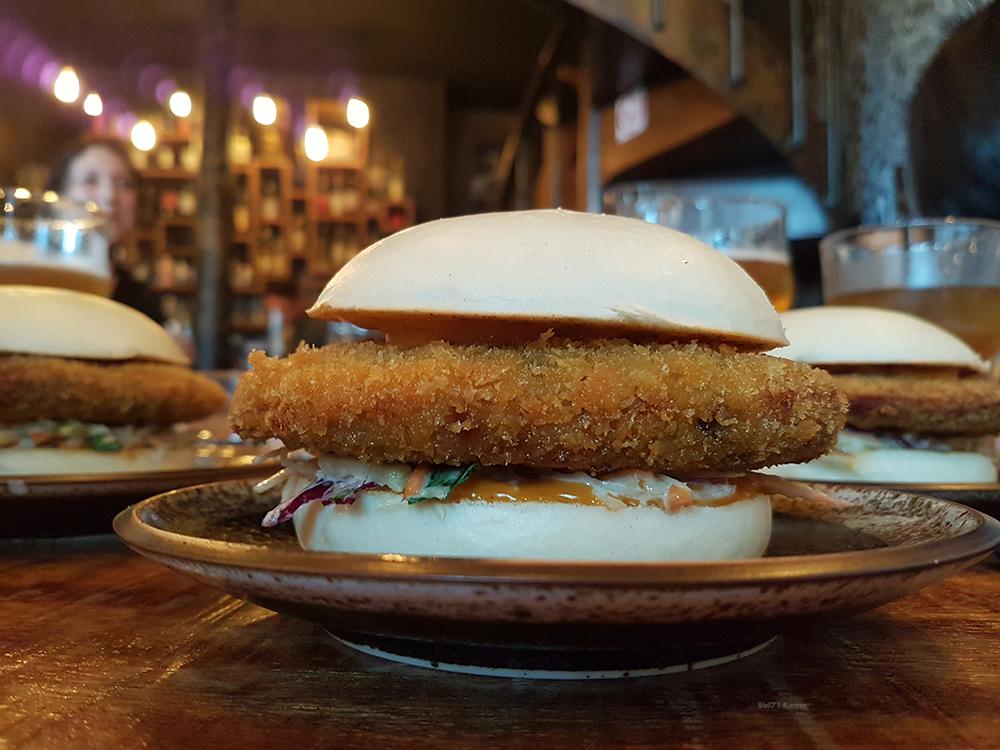 siseng-restaurant-bao-burgers (3)